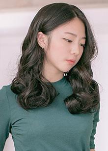"""Half Wig <br> <b>Maple</b> <br> <span class=""""detail_list"""">Superior Yarn / Royal Fuchura Yarn</span> <br> 37,500 won / 47,500 won"""
