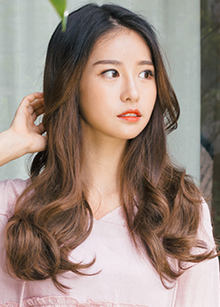 "Hidden Line Half Wig <br> <b>Wannabe Wave</b> <br> <span class=""detail_list"">Superior Yarn / Royal Fuchura Yarn</span> <br> 39,000 won / 49,000 won"