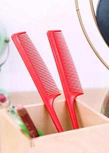 <b>tail comb</b> <br> 500 won