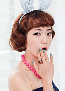 """Half Wig <br> <b>Sugarholic</b> <br> <span class=""""detail_list"""">Superior Yarn / Royal Fuchura Yarn</span> <br> 34,500 won / 44,500 won"""